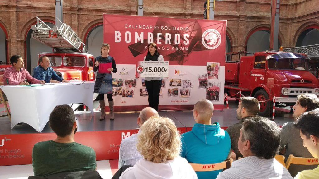 Entrega fondos calendario bomberos 2019